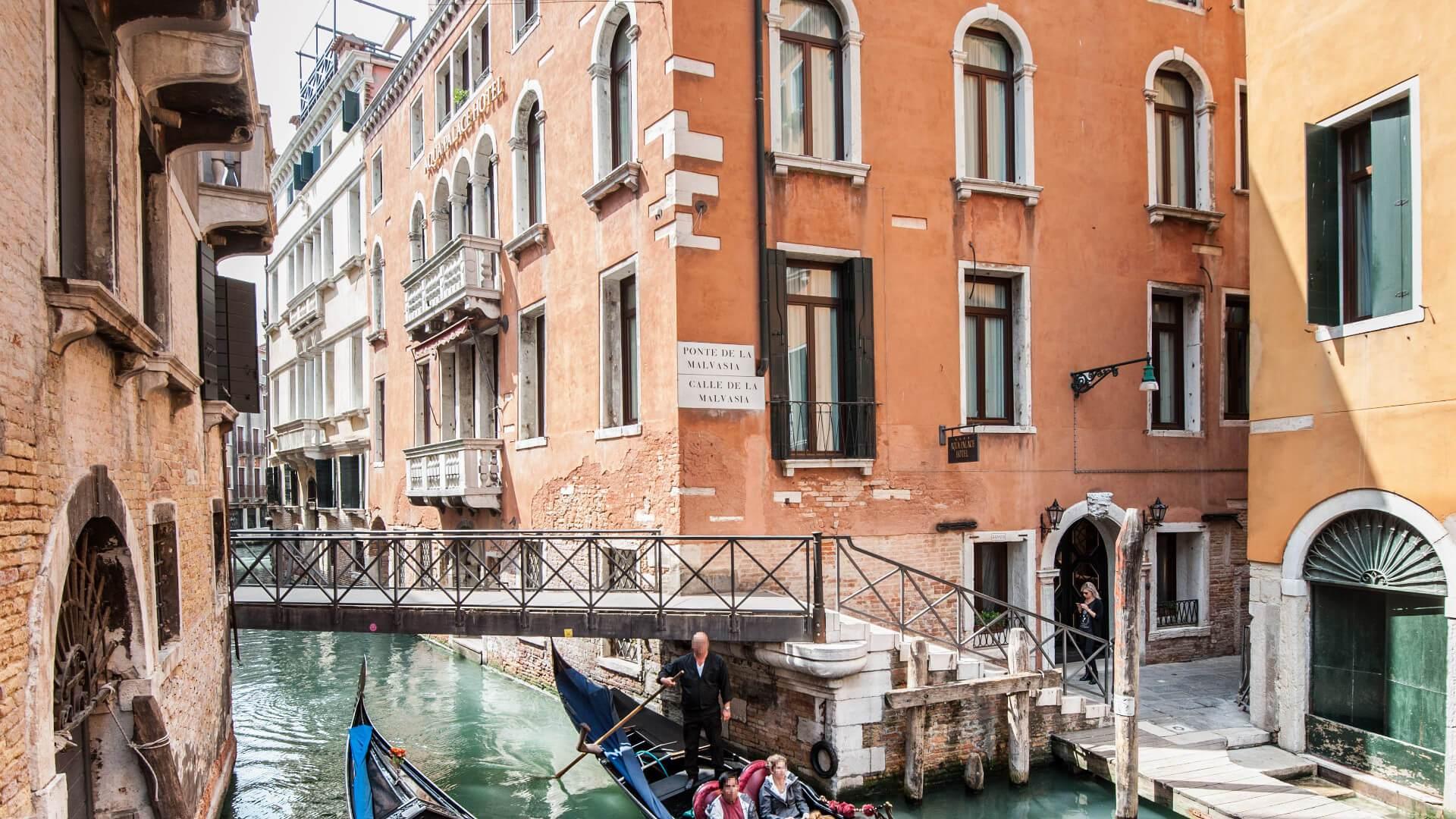 Hotel en venecia cerca de plaza san marcos aqua palace for Hoteles de lujo en venecia